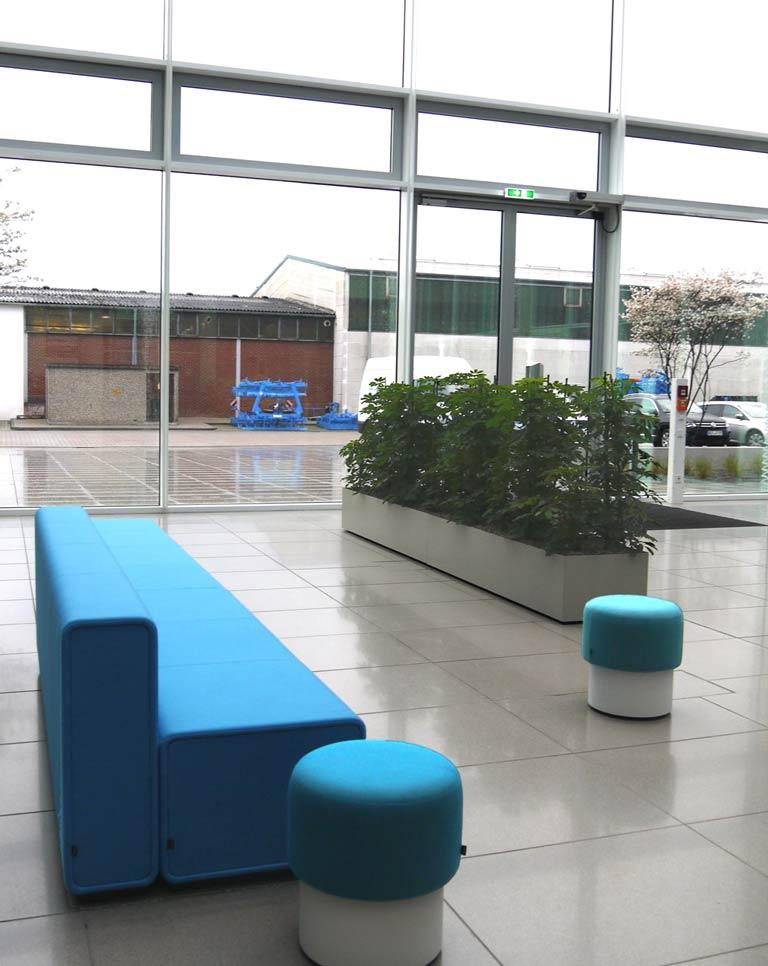 Objektbegrünung Foyer, Sonderanfertigung Pflanzbecken, akzente raumbegrünung