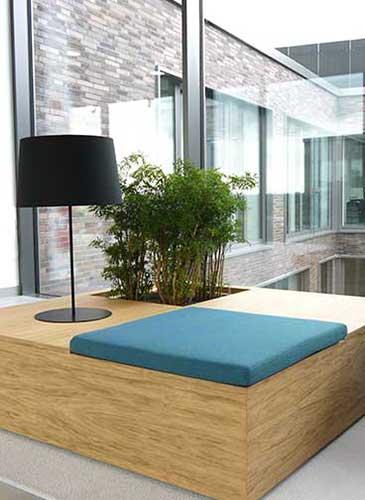 Bepflanztes Sitzmöbel, akzente raumbegrünung