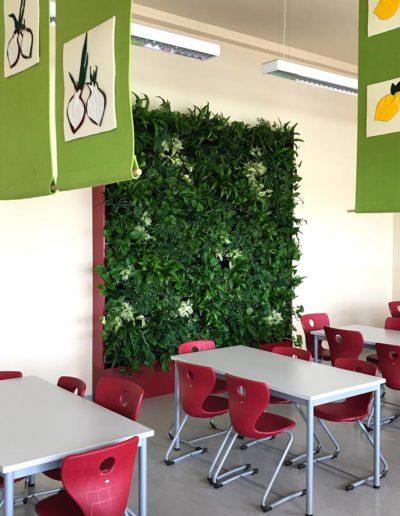Schulmensa Gruenewand Cafeteria Akzente Raumbegruenung